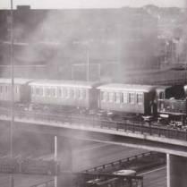 N 1173 med resandetåg på Slakthusbanan