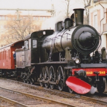 E2 1242 med resandetåg i värtan 2004