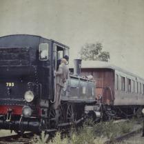 K4 792 med resandetåg på Skathuset 1975